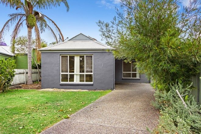 Picture of 2/10 Excelsa Court, MALONEYS BEACH NSW 2536