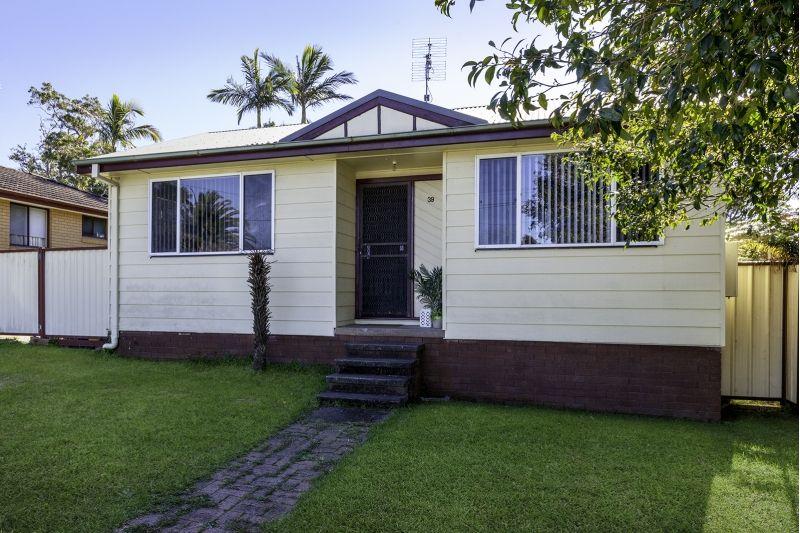39 Tingira Street, Charmhaven NSW 2263, Image 0