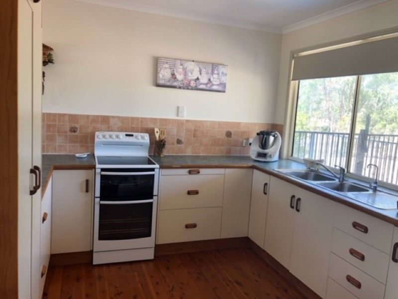 28 Old Crossing Rd, Sapphire, Anakie Siding QLD 4702, Image 2