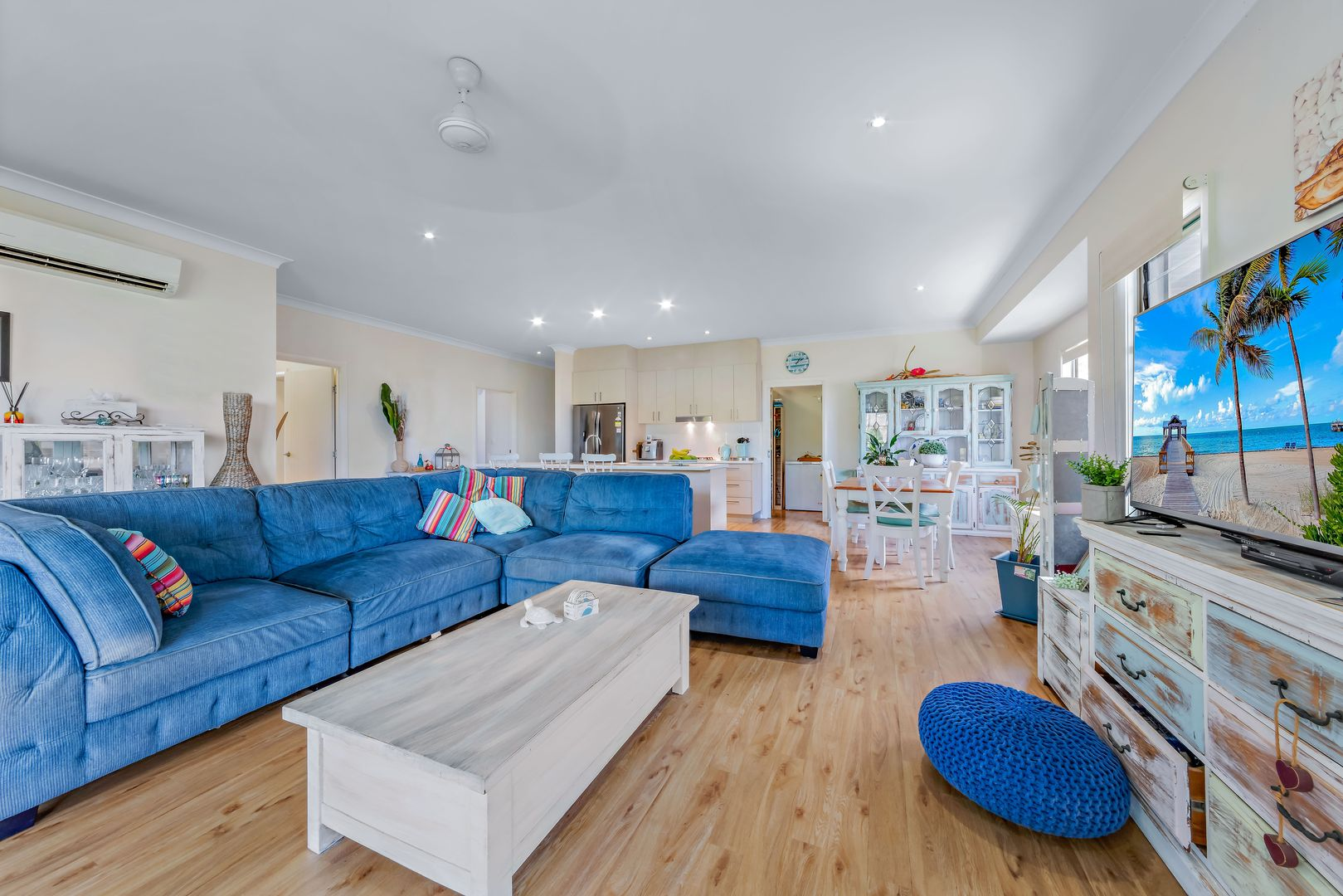 25 Rattray Avenue, Hideaway Bay QLD 4800, Image 2