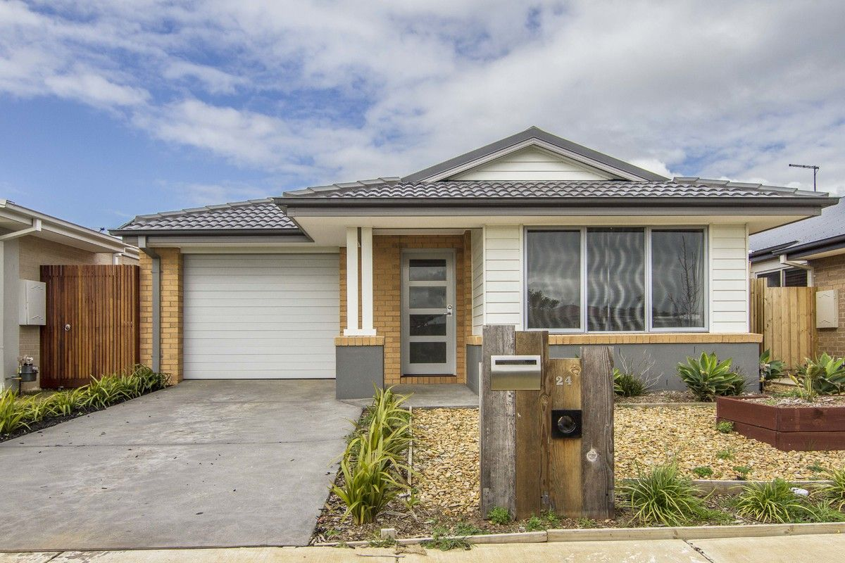 24 Ambarella Way, Armstrong Creek VIC 3217, Image 0