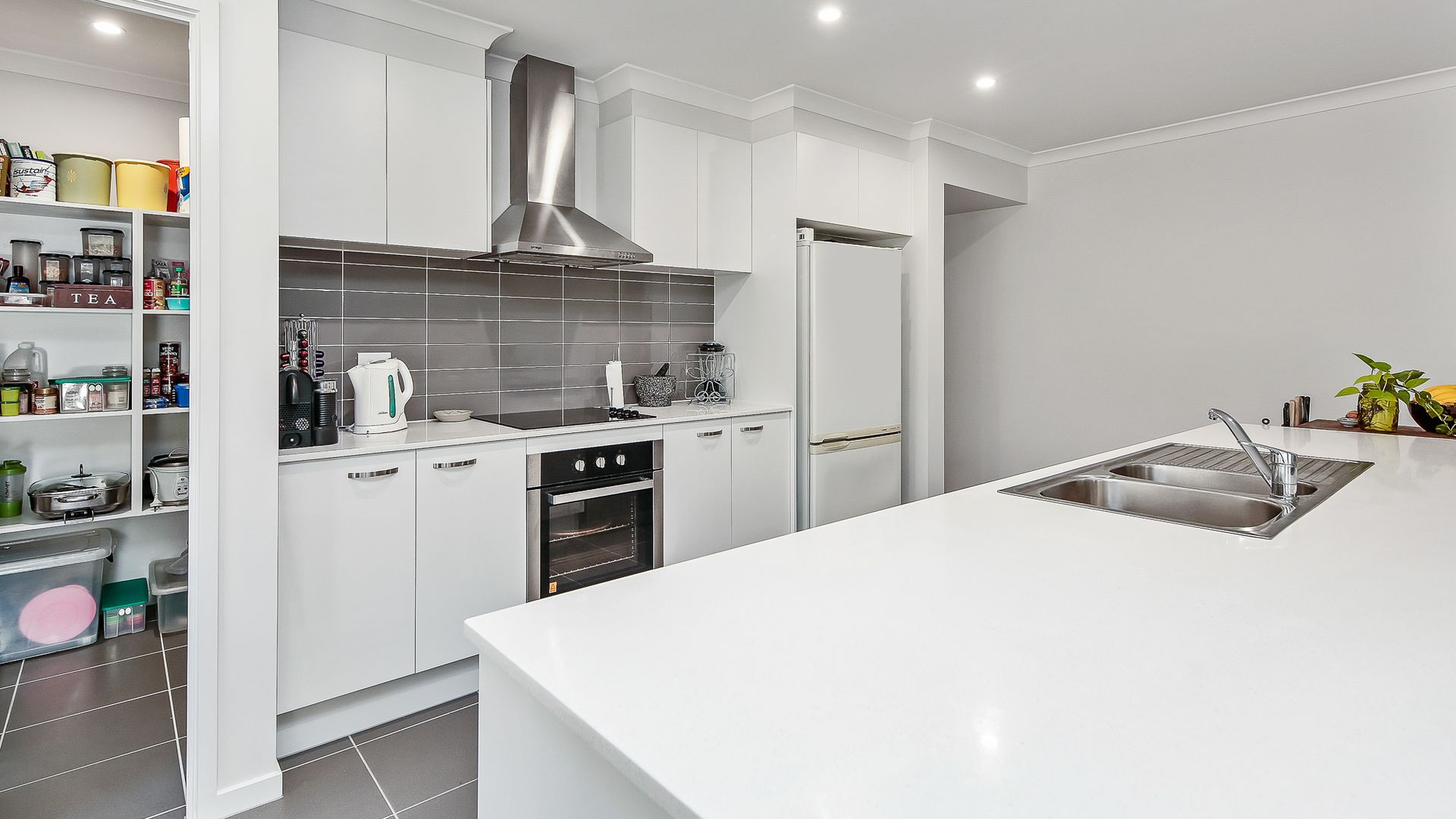 1A Firetail Ave, Regency Downs QLD 4341, Image 1