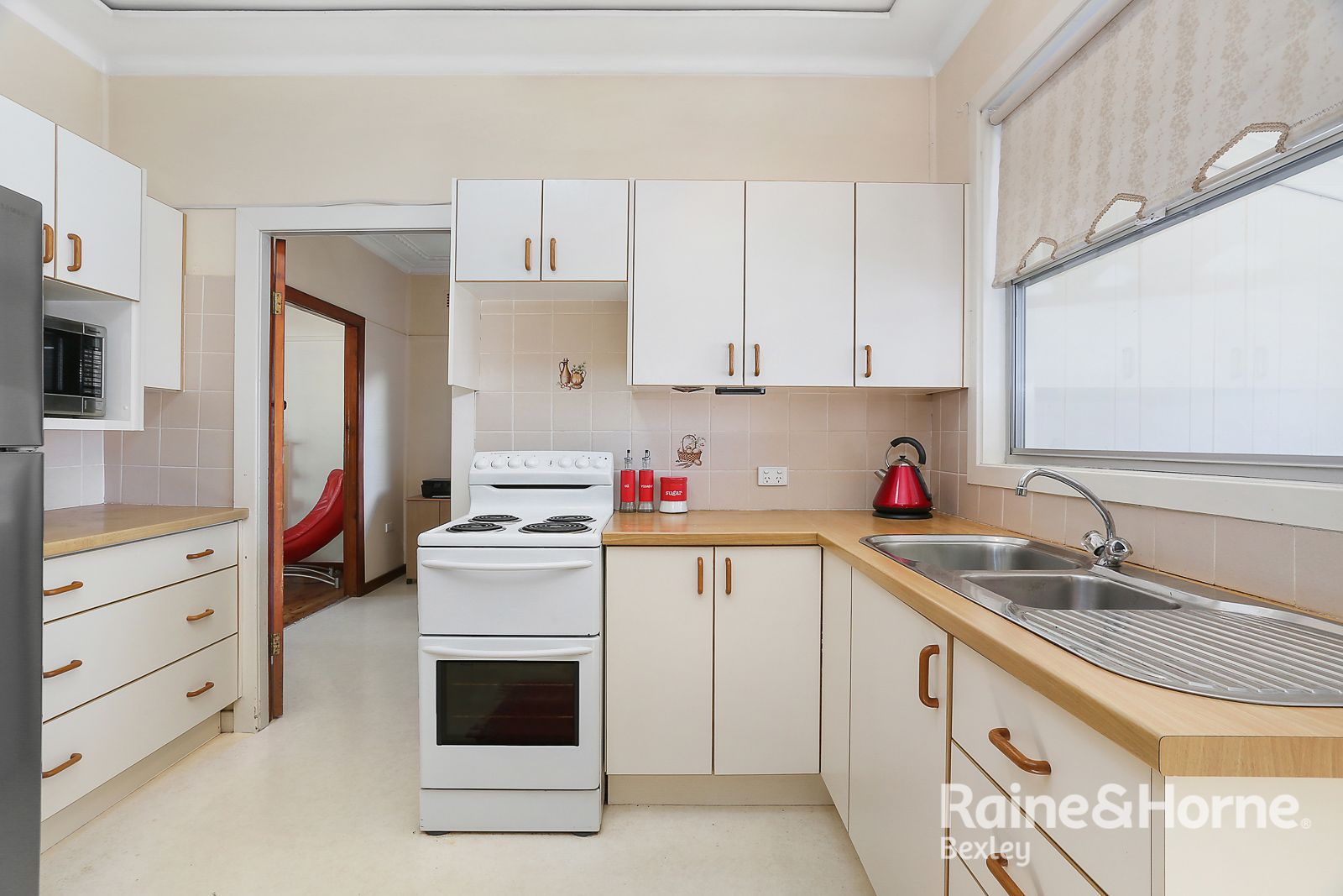 92 STODDART STREET, Roselands NSW 2196, Image 2