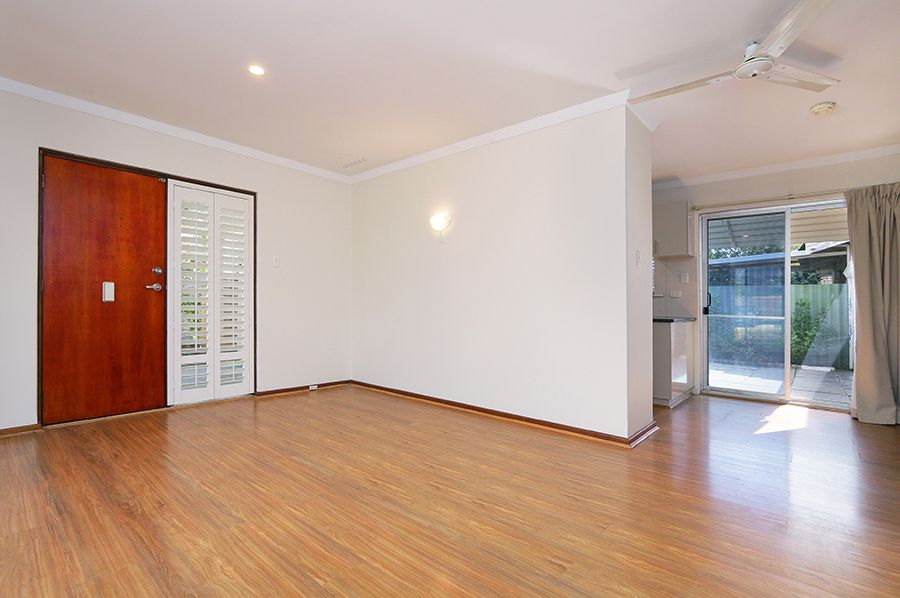 2 Thorman Place, Booragoon WA 6154, Image 2