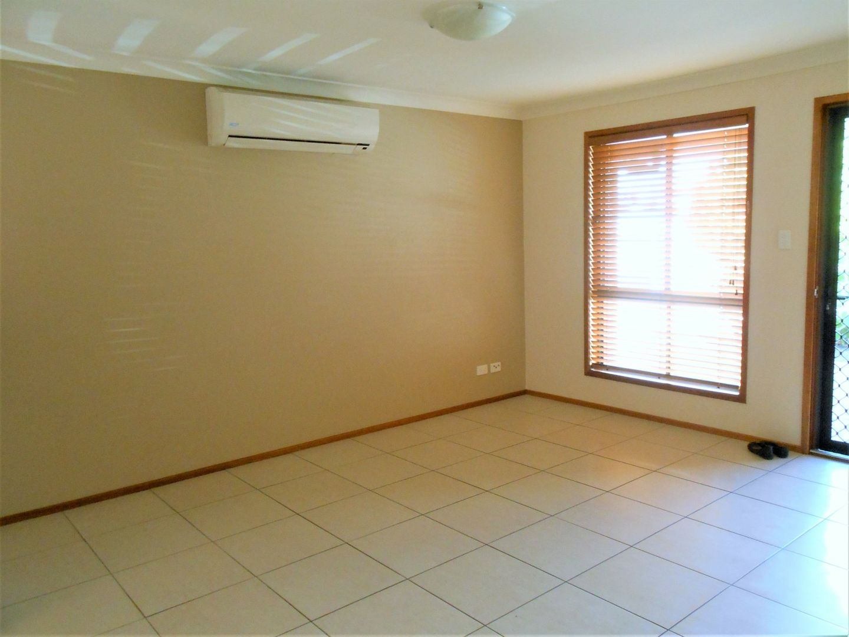 1/27A Myall Avenue, Warwick QLD 4370, Image 2