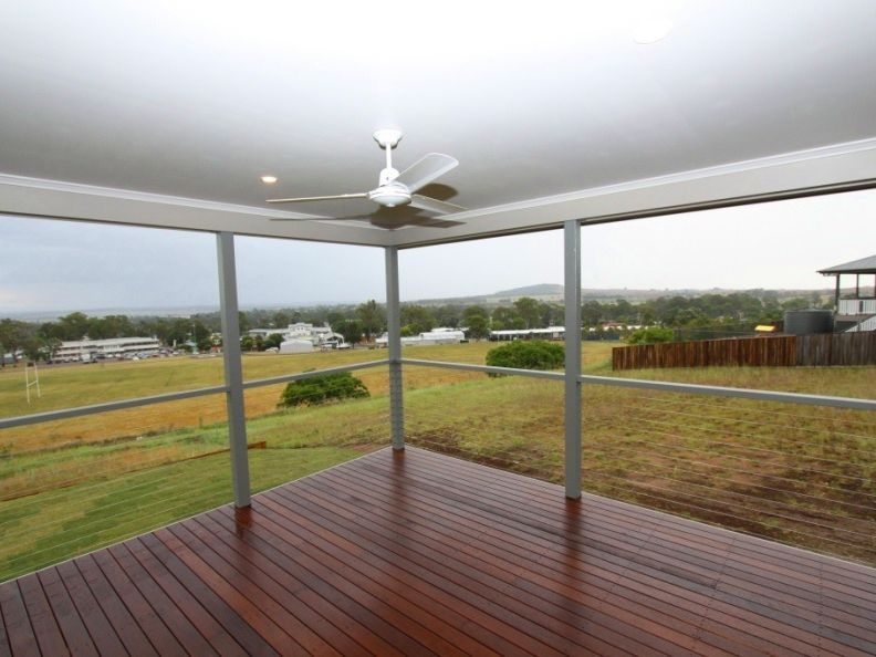 1/70 Banksia Drive, Kingaroy QLD 4610, Image 2