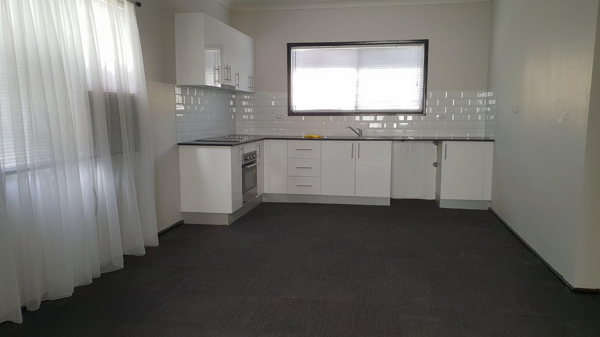 33B Fourteenth Street, Warragamba NSW 2752, Image 2