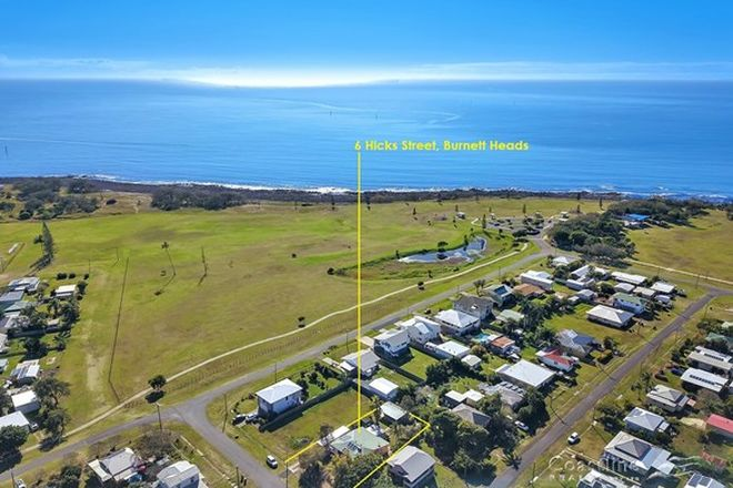 Picture of 6 Hicks Street, BURNETT HEADS QLD 4670