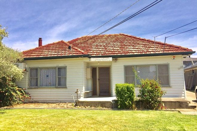 Picture of 1/79 Mcarthur Avenue, ST ALBANS VIC 3021