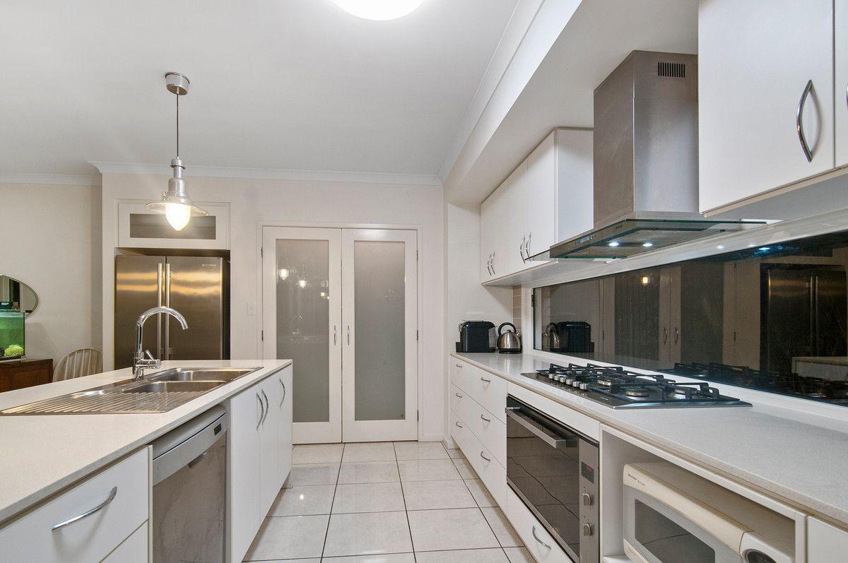 16 Acer Place, Redland Bay QLD 4165, Image 2