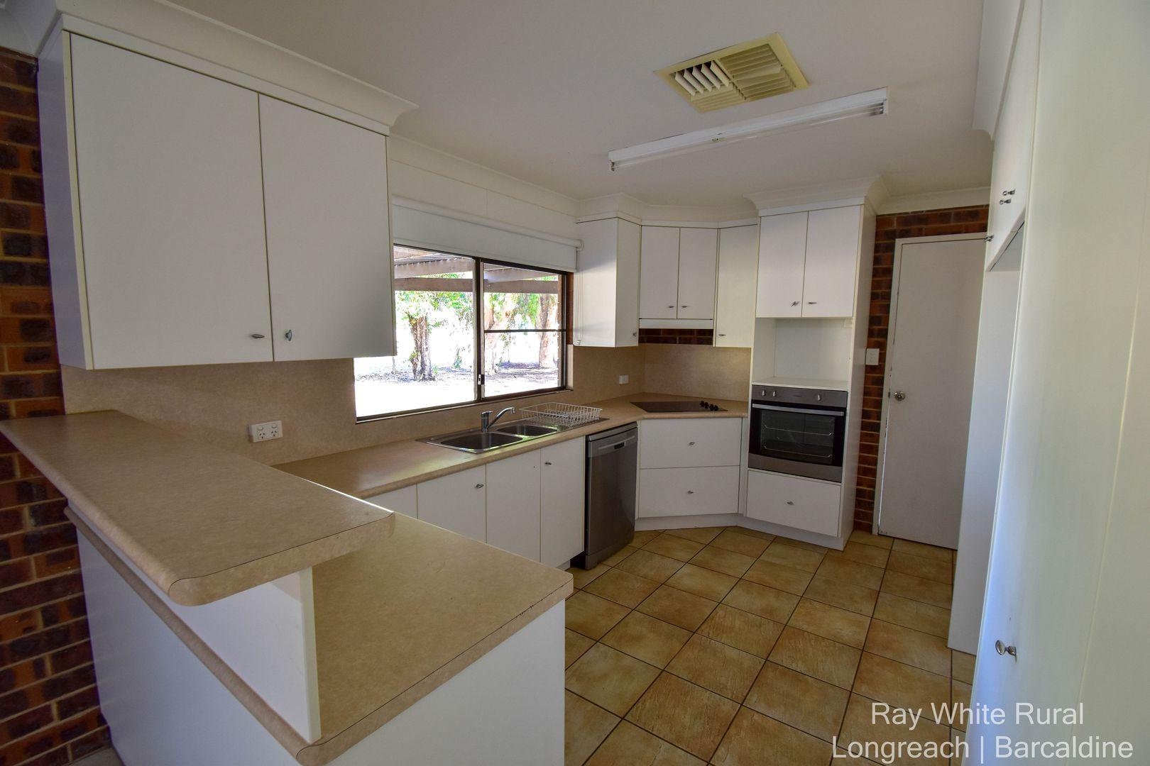 20 Bauhinia Street, Barcaldine QLD 4725, Image 2