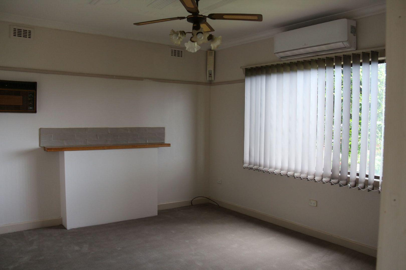 31 Gordon Street, Korumburra VIC 3950, Image 2