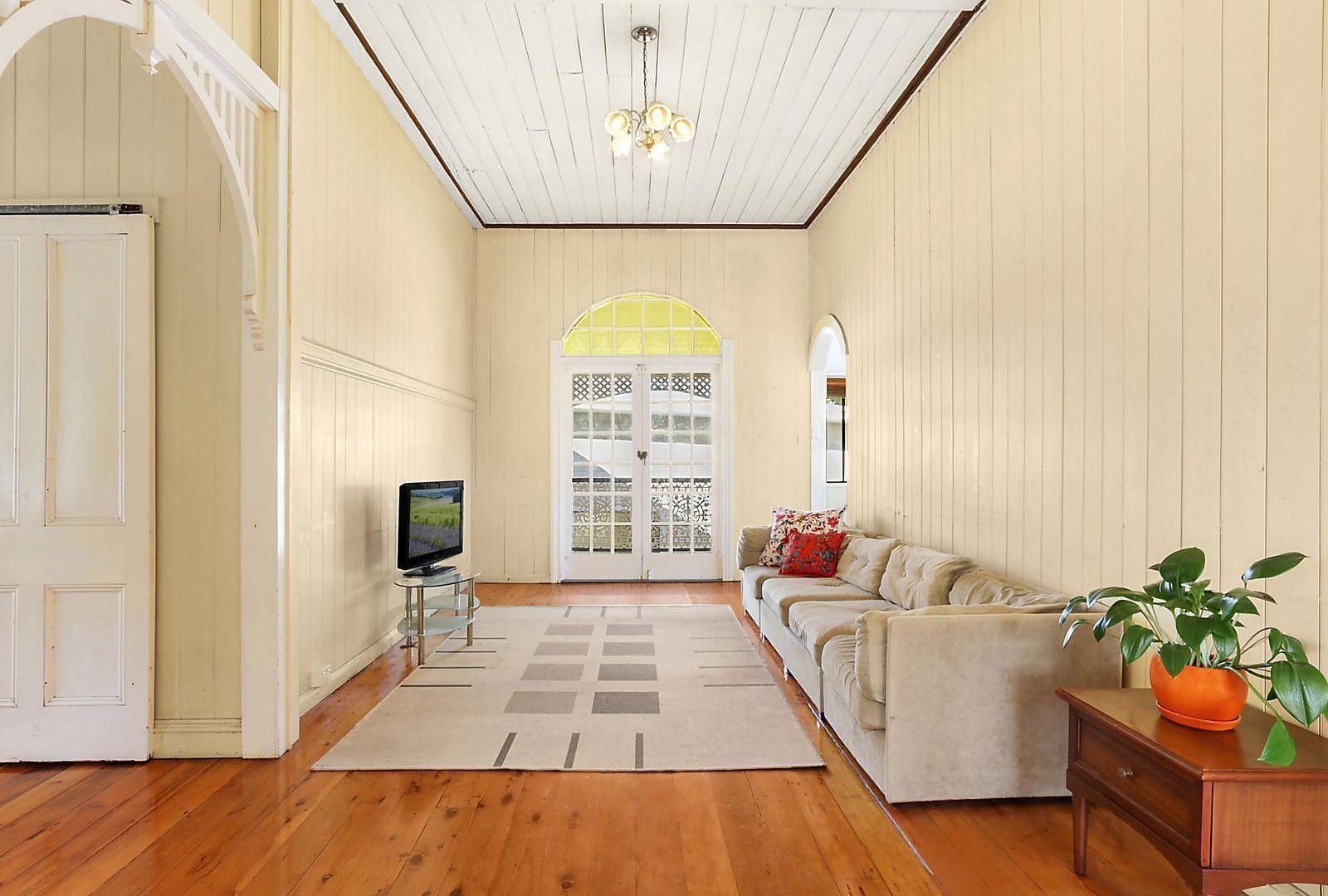 29 Ruskin Street, Taringa QLD 4068, Image 2