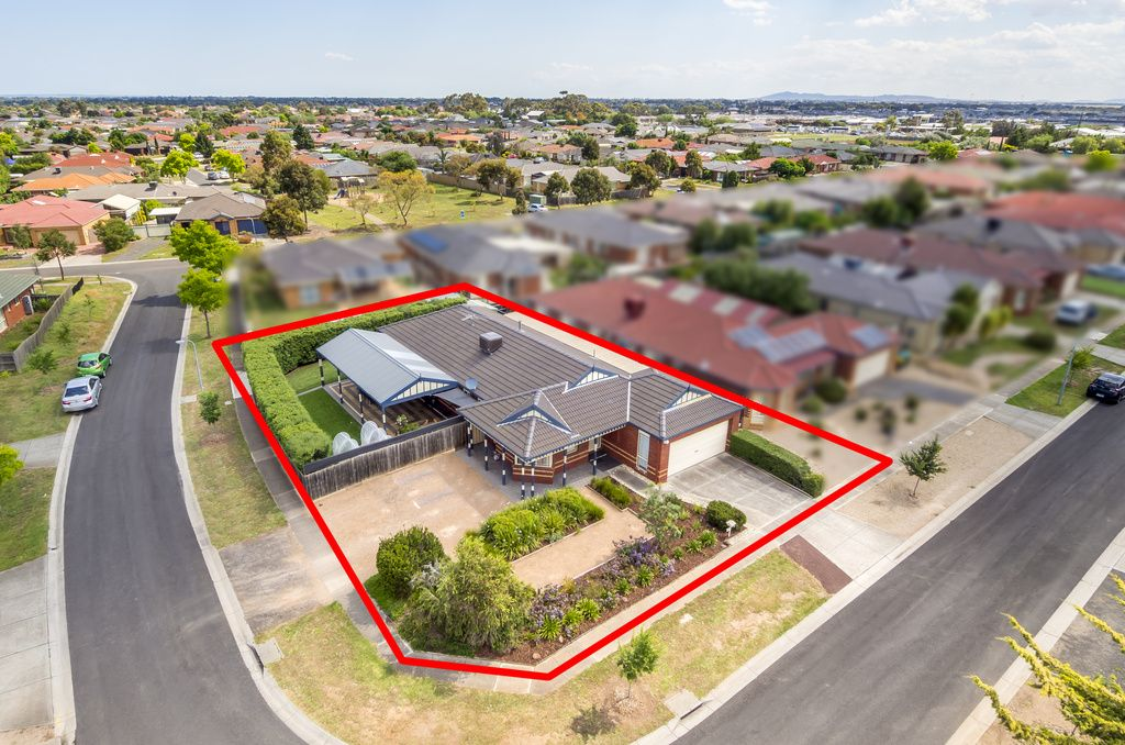 32 Toulouse Crescent, Hoppers Crossing VIC 3029, Image 0