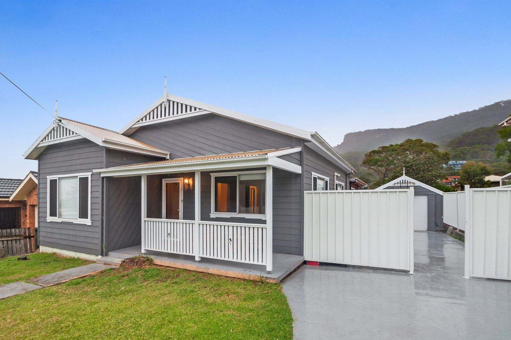 24 Bloomfield Avenue, Corrimal NSW 2518, Image 0