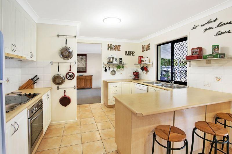 21 Windermere Avenue, Sinnamon Park QLD 4073, Image 0