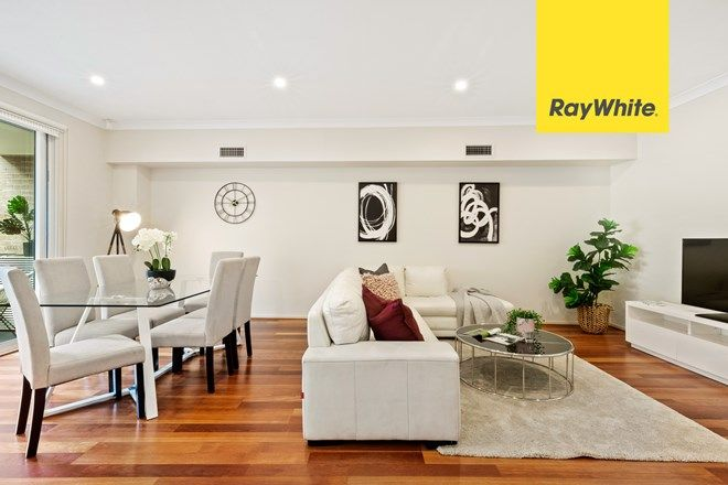Picture of 25 Avondale Way, EASTWOOD NSW 2122