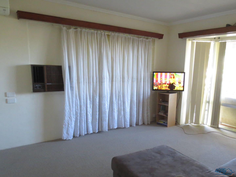 4 Banks Crescent, Mount Isa QLD 4825, Image 1