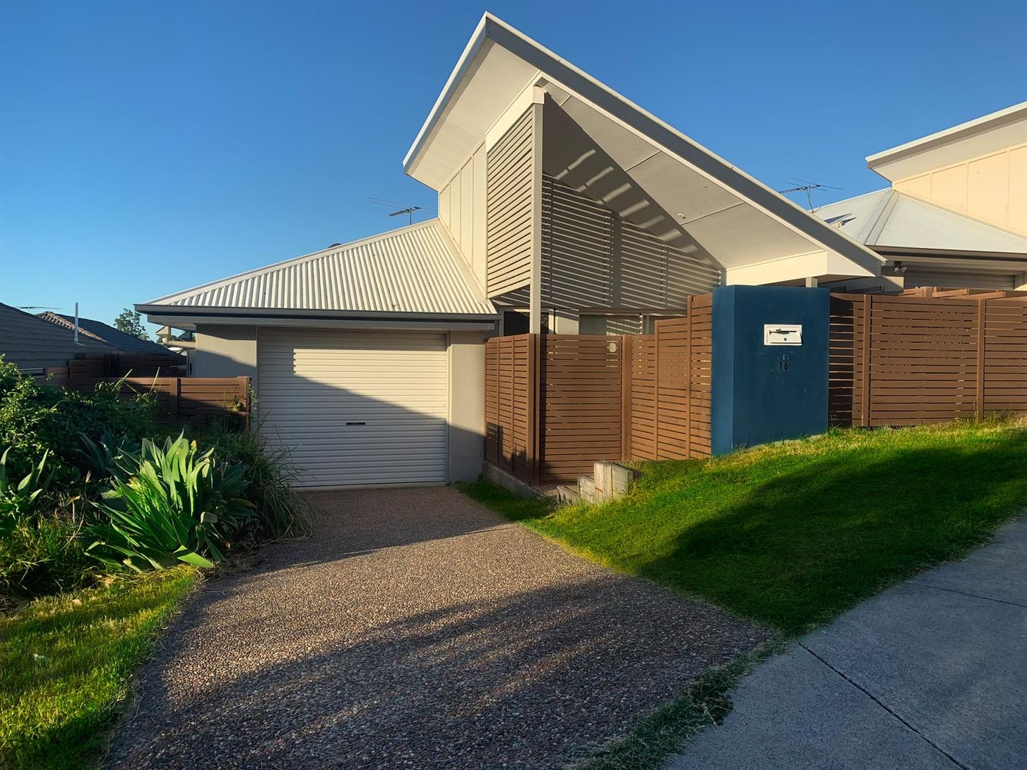 16 Hyde Ave, Springfield Lakes QLD 4300, Image 0
