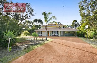 Picture of 33 Spinnaker Drive, Leschenault WA 6233