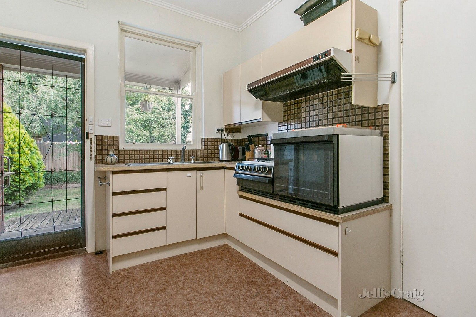 141 Oakleigh  Road, Carnegie VIC 3163, Image 2