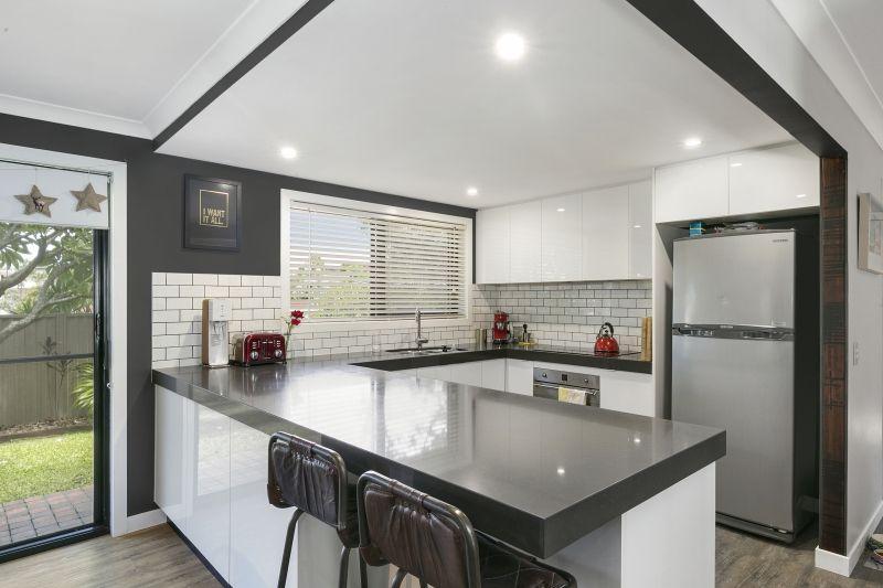 6 Teak Place, Ashmore QLD 4214, Image 0