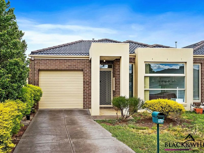 1/17 Catania Avenue, Point Cook VIC 3030, Image 0