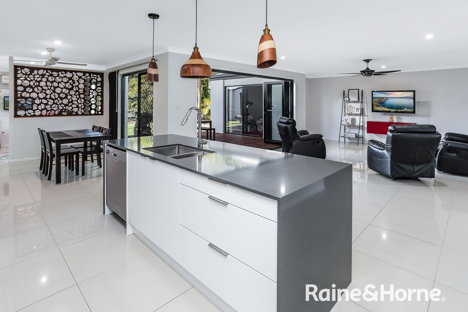 91 HENDERSON ROAD, Burpengary QLD 4505, Image 2
