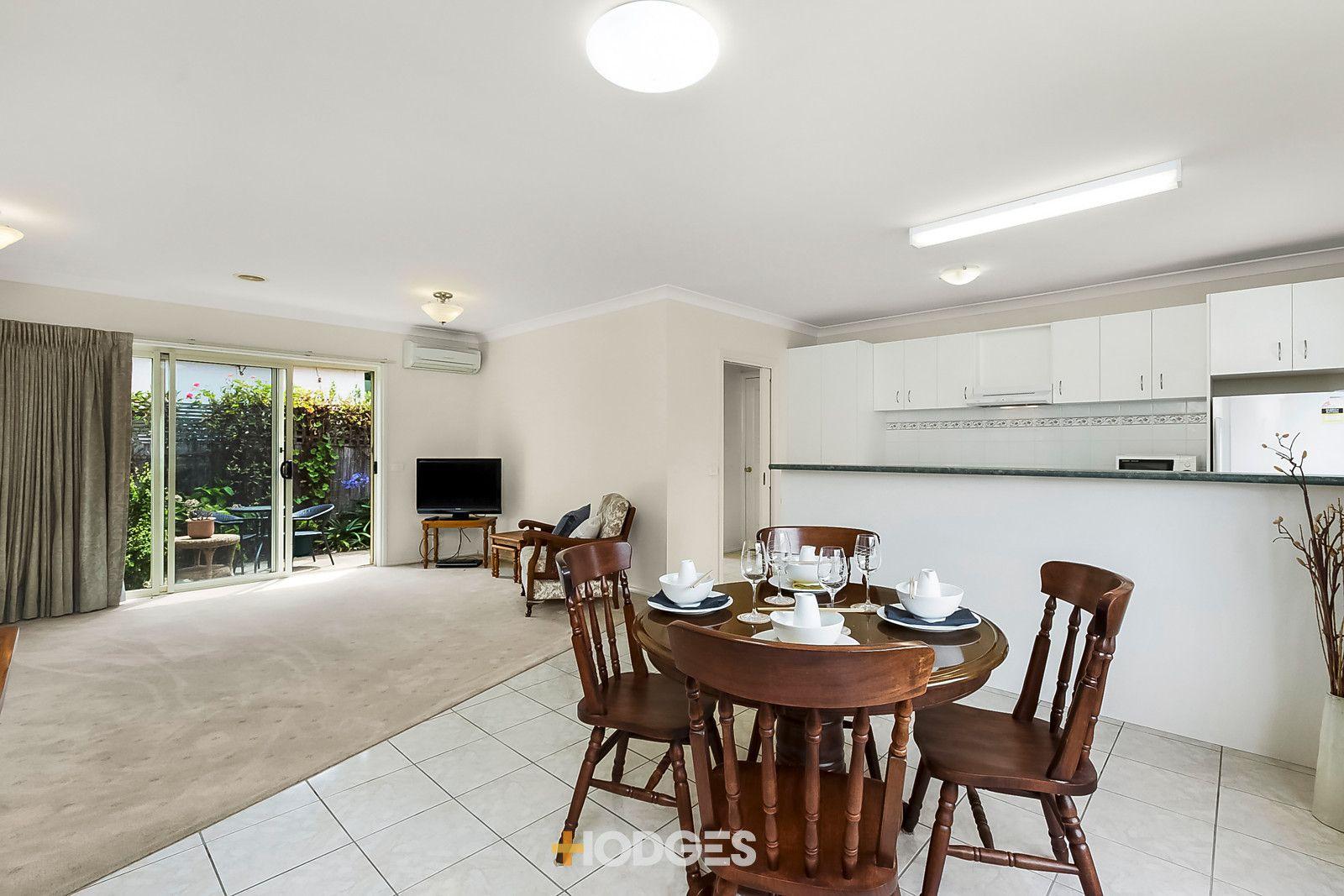 1/25 Breakwater Road, East Geelong VIC 3219, Image 2