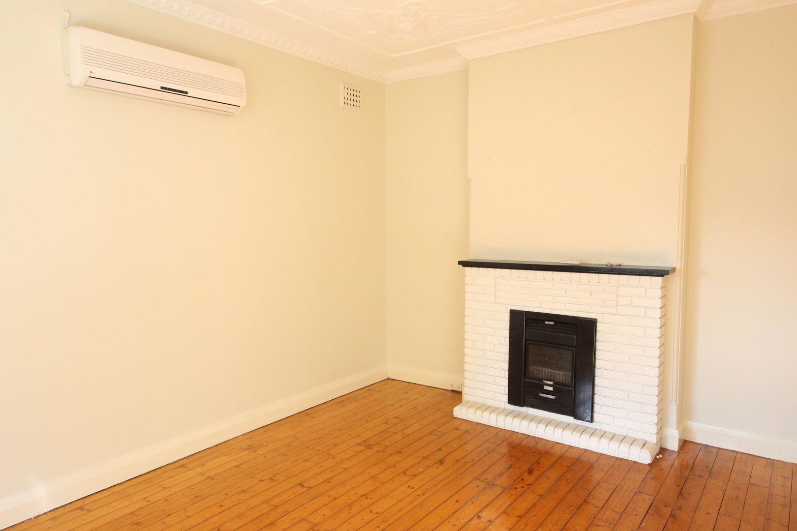 8 Derowie Avenue, Homebush NSW 2140, Image 1