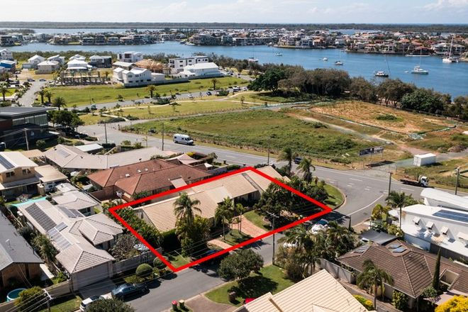 Picture of 152 The Esplanade, PARADISE POINT QLD 4216