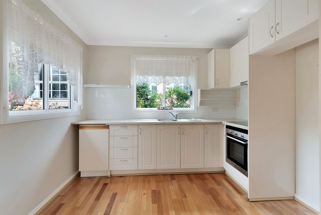 29a Brentwood Street, Fairfield West NSW 2165, Image 2