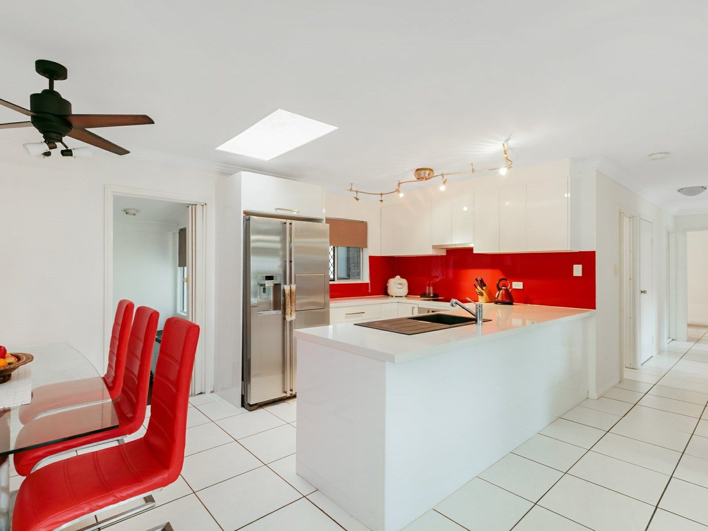 166 Sydney Street, Bayview Heights QLD 4868, Image 2