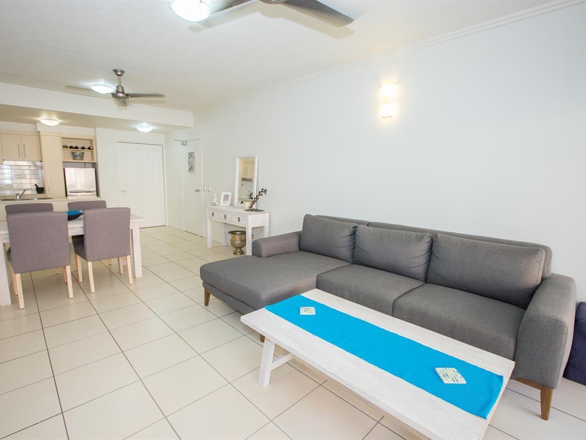 407/6 Lake Street, Cairns City QLD 4870, Image 2