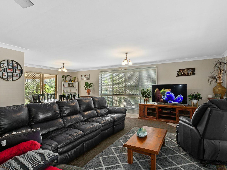 27 Bertrand Avenue, Kensington Grove QLD 4341, Image 2