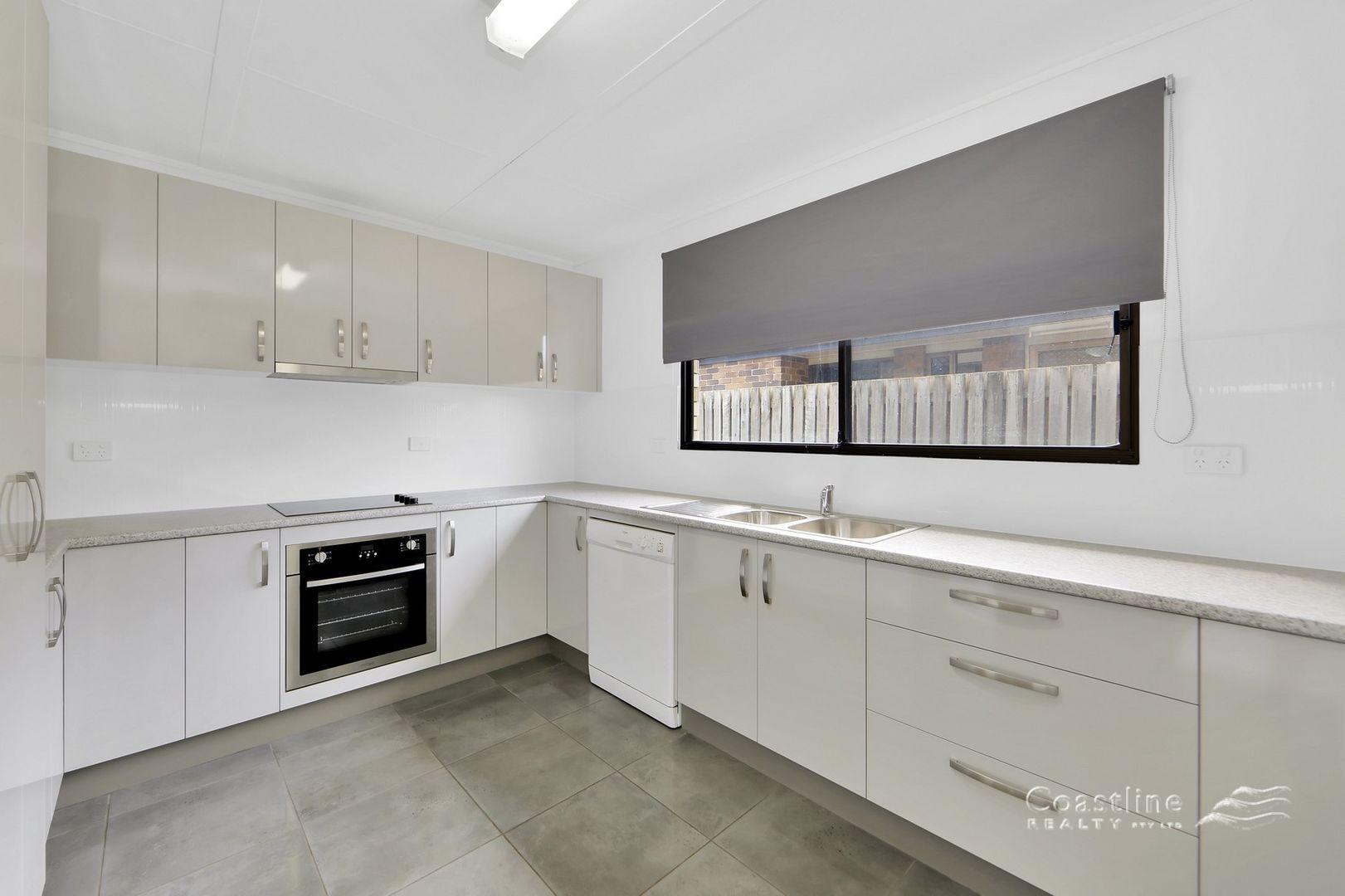 38 Sandhills Drive, Bargara QLD 4670, Image 2