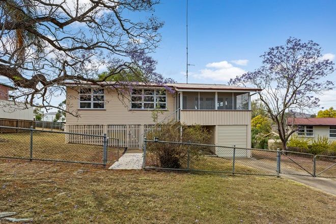 Picture of 4 Bona Vista Avenue, BOONAH QLD 4310