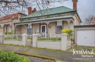 Picture of 8 Doveton Crescent, Soldiers Hill VIC 3350