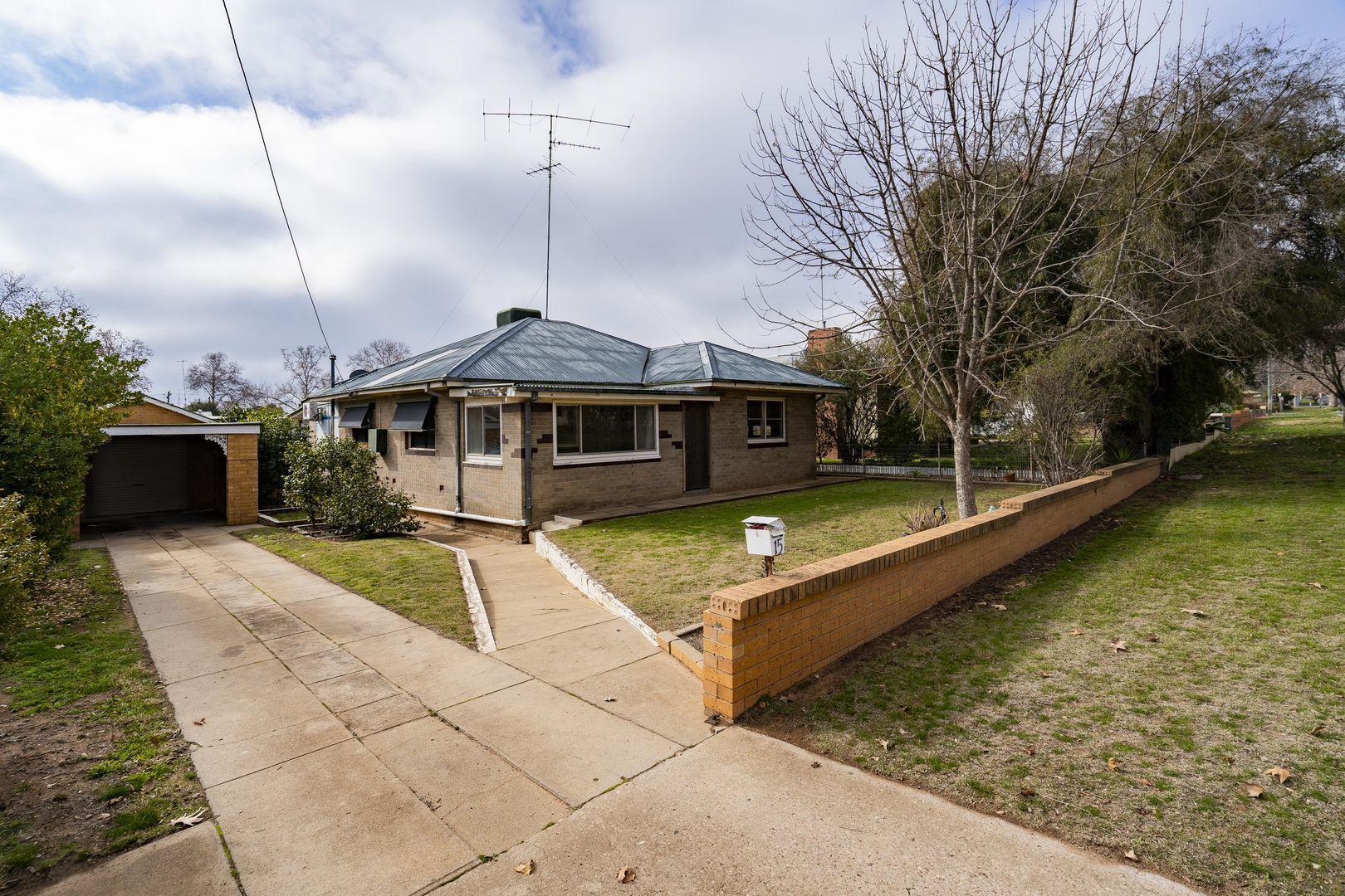 15 Larmer  Street, Narrandera NSW 2700, Image 0