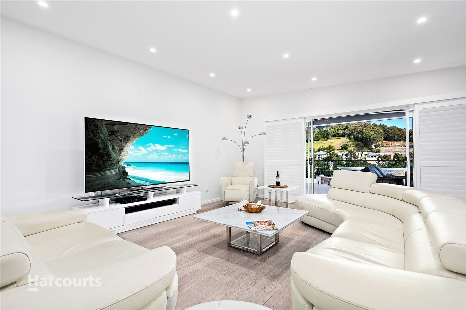 9 Valley View Crescent, Albion Park NSW 2527, Image 2