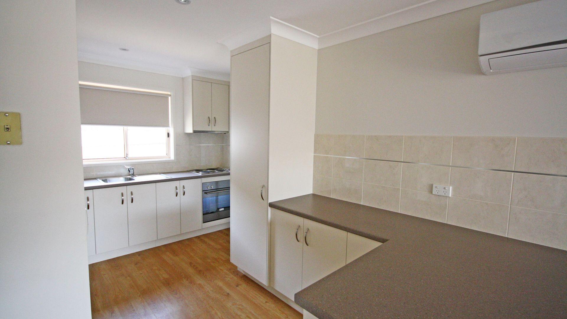 2/30 Kenneally Street, Kooringal NSW 2650, Image 1