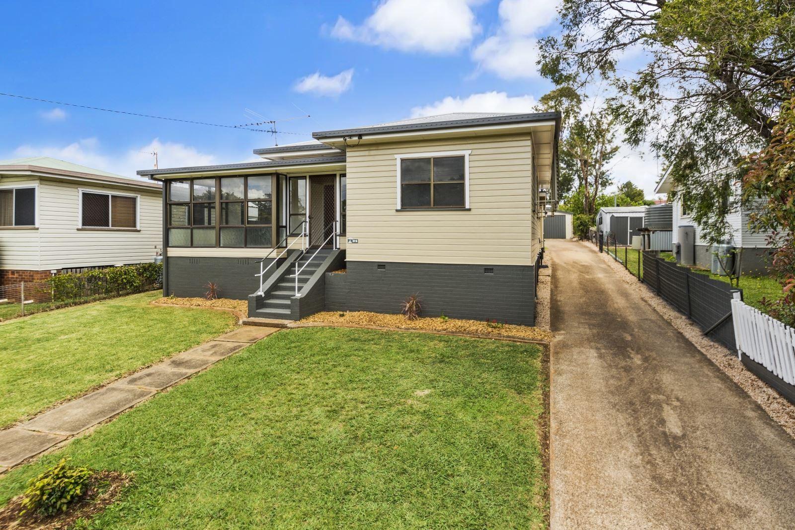 34 Underwood Crescent, Harristown QLD 4350, Image 0