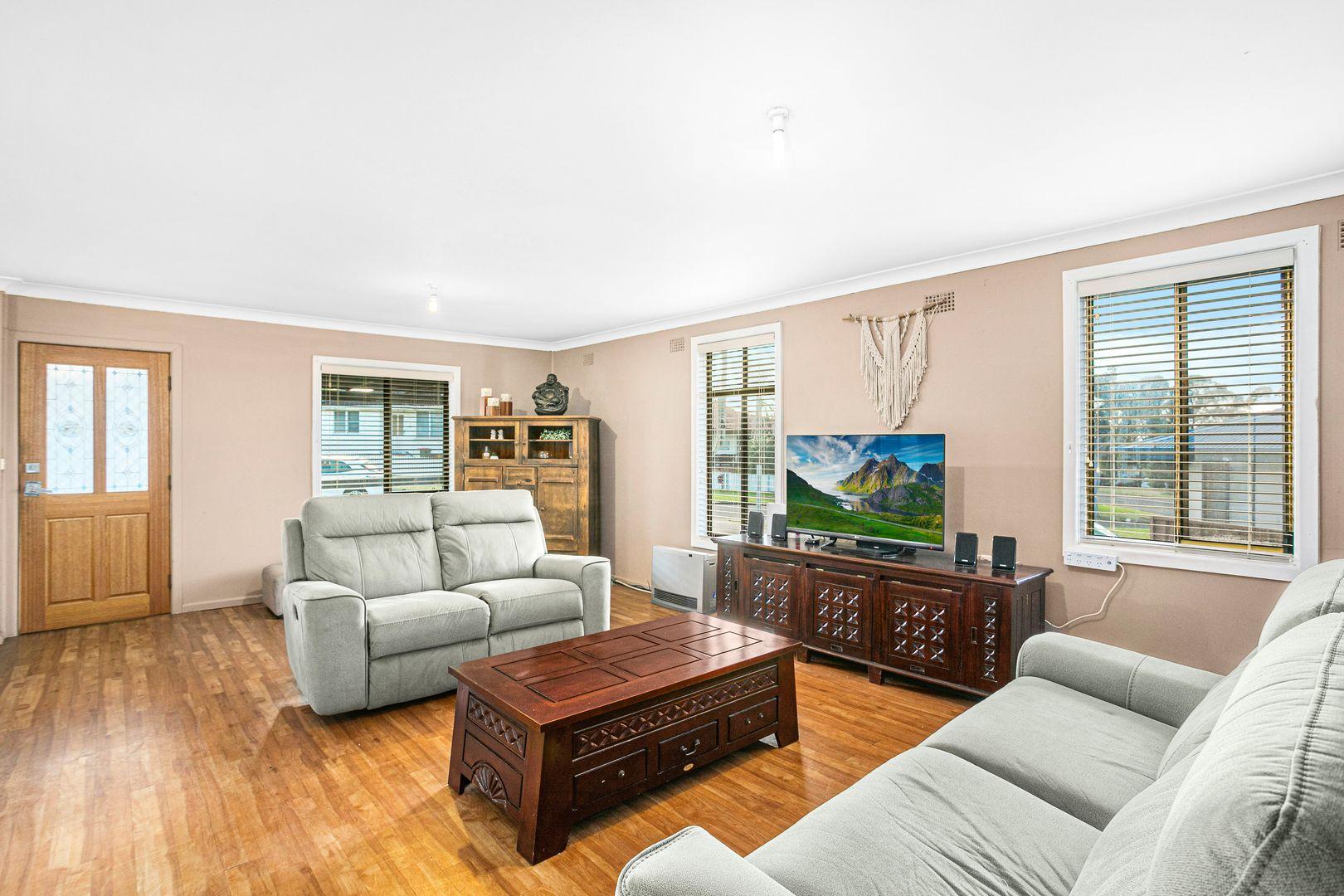5 Narvo Street, Barrack Heights NSW 2528, Image 2