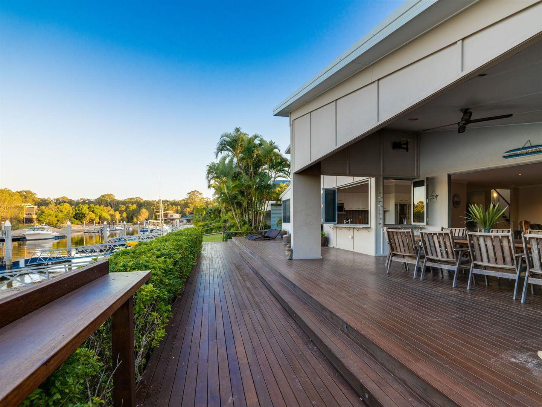 19 Livistona Court, South Stradbroke QLD 4216, Image 2