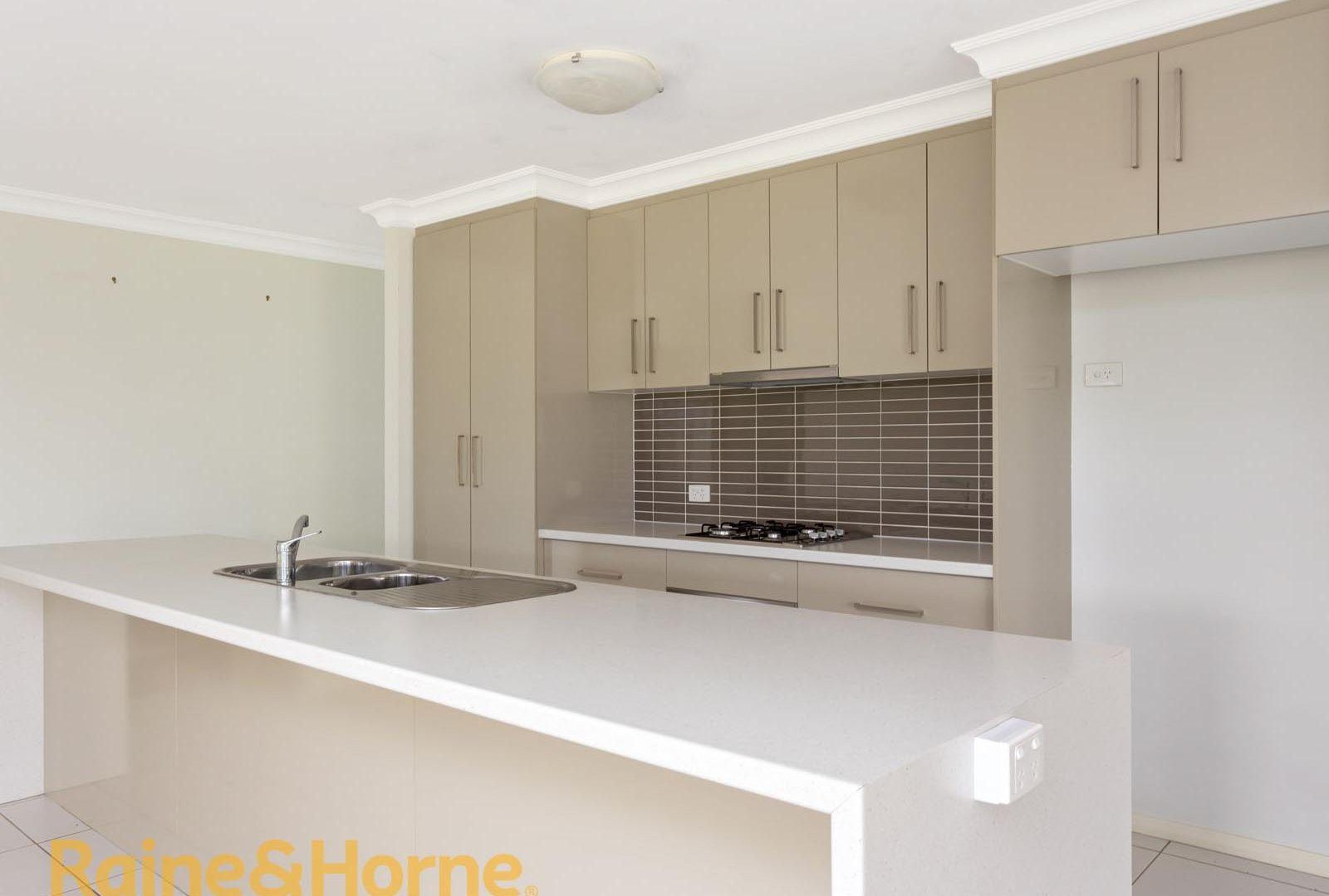 10 Yoogali Street, Glenfield Park NSW 2650, Image 2