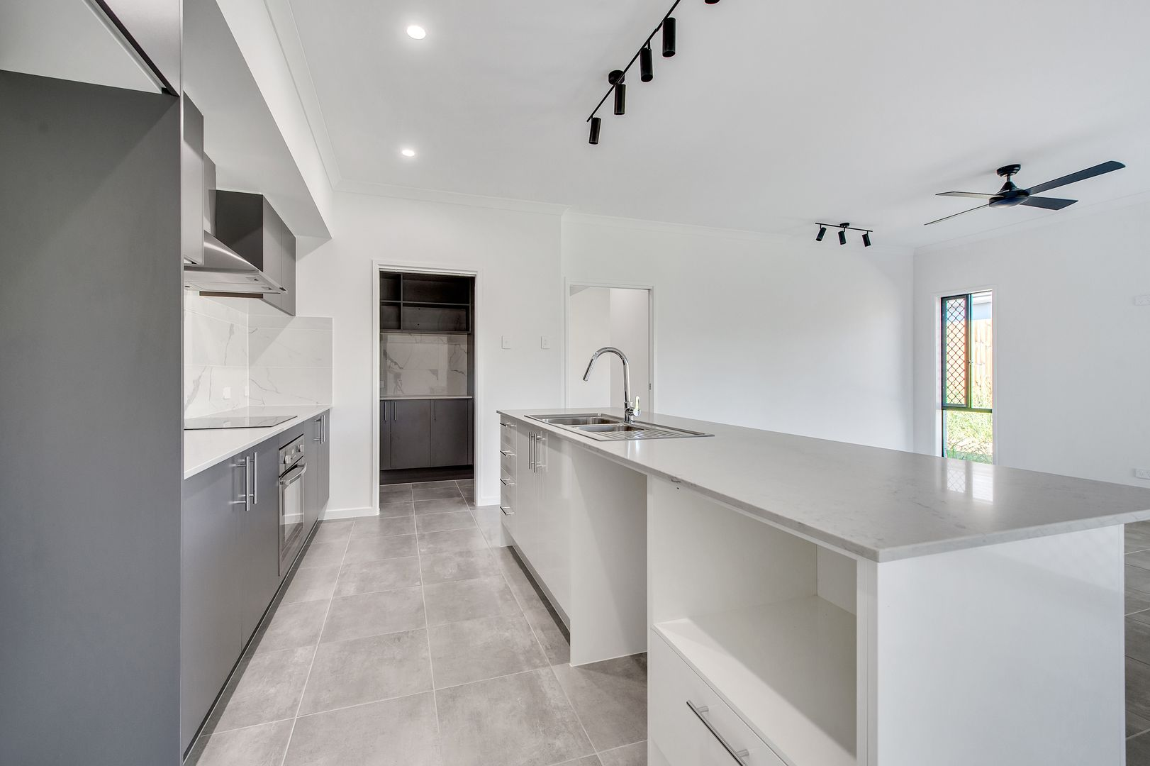 63 Highgate Drive, Flagstone QLD 4280, Image 2