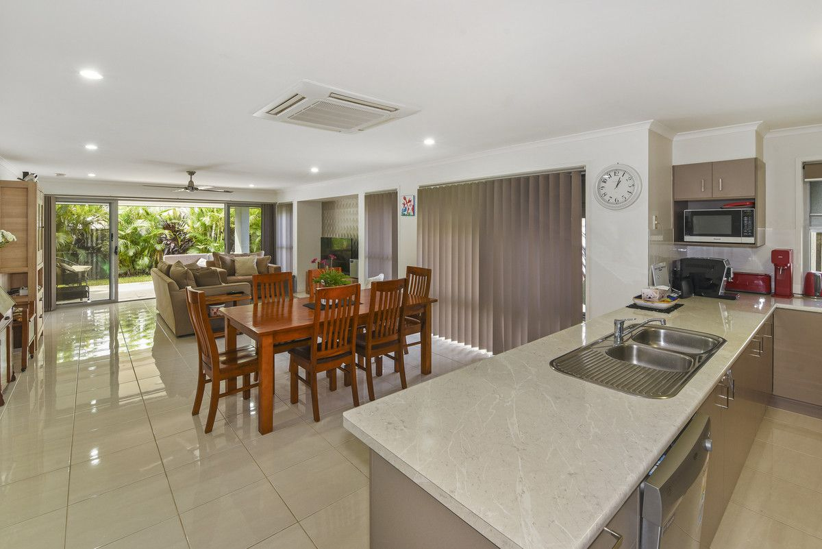 15 Elvena Circuit, Little Mountain QLD 4551, Image 2