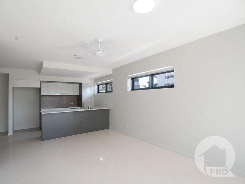 204/37 Regent Street, Woolloongabba QLD 4102, Image 2