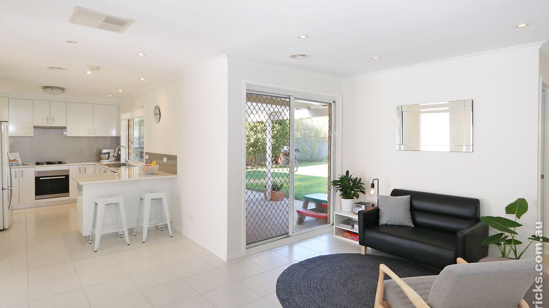 15 Stockton Place, Estella NSW 2650, Image 2