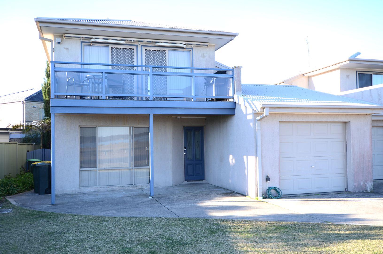 1/6 Hibiscus Close, Maloneys Beach NSW 2536, Image 0